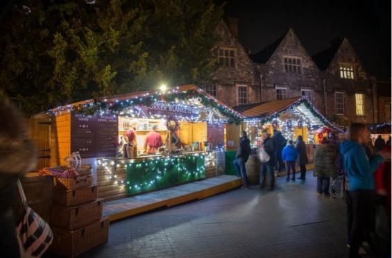 Winchester-Cathedral-Christmas-Market